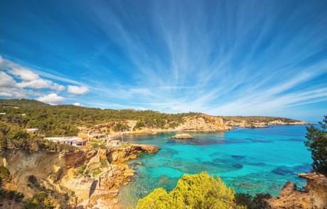 1568172015_179_¿Eres-un-amante-de-la-playa-Conoce-las-mejores-calas ¿Eres un amante de la playa? Conoce las mejores calas de Ibiza