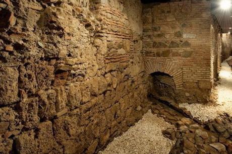 La extracción de arena y piedra de la muralla medieval de Santander