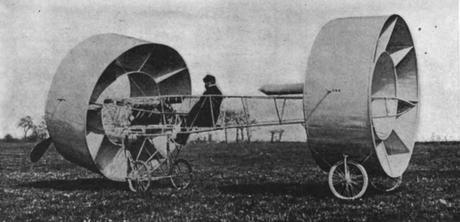 El avión de alas redondas