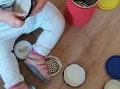 Propuestas para hacer casa exploración objetos estimulación sensorial.