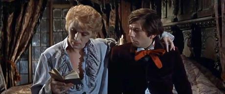 """Herbert von Crolock decide llevar a la práctica con Alfred las enseñanzas del libro """"Cien maneras de declararle un tierno amor a una damisela decente""""."""