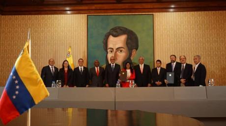 Resultado de imagen para Firmas acuerdos gobierno, oposición