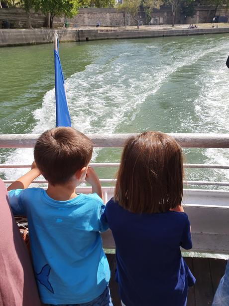 Barco por el Sena: París con niños en el Batobus
