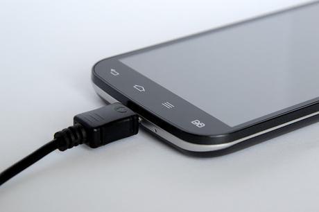 Cargar la batería de tu teléfono al máximo puede dañarla. Apple encuentra la solución.