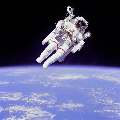 Los cosmonautas rusos podrían viajar armados al espacio desde 2021