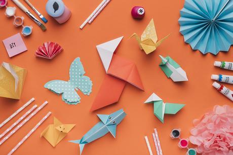 10 Manualidades fáciles para niños que solo necesitan folios, pegamento y tijeras