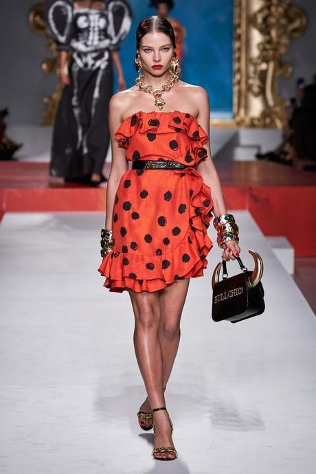 Moschino se inspira en España para su colección Primavera Verano 2020