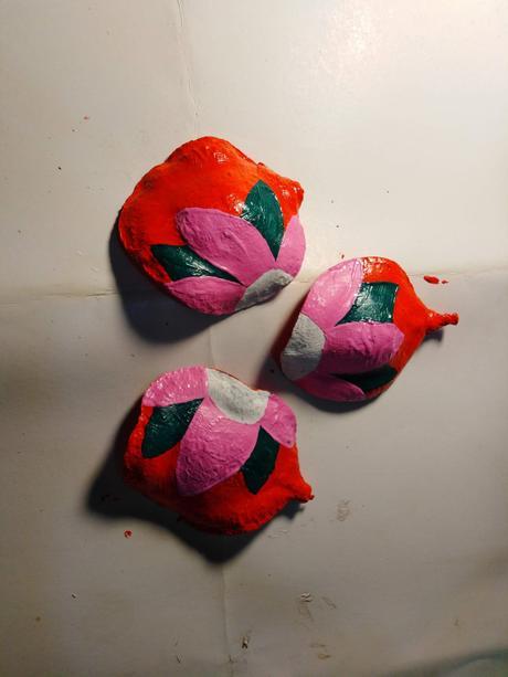 Como pintar semillas de jacaranda para decoración