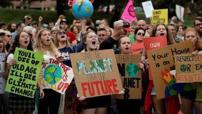 Los jóvenes gritan a los líderes del mundo qué tienen que hacer para salvar el planeta
