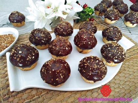 Magdalenas con Cobertura de Chocolate Y Crocanti