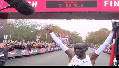¡Al final Kipchoge bajó de 2 horas en maratón!
