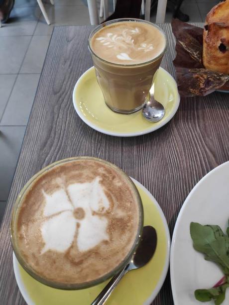 Y también un café
