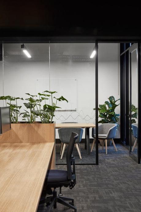 emmme studio interiorismo oficina yamaha.jpg