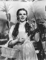 https://es.wikipedia.org/wiki/Archivo:The_Wizard_of_Oz_Judy_Garland_1939.jpg