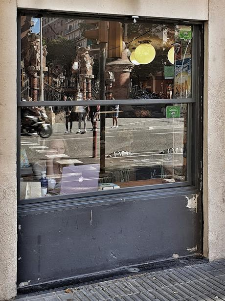 Barcelona (Eixample): Mundos