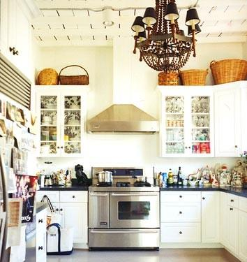 what to put above kitchen cabinets iluminar la cocina paperblog 2003