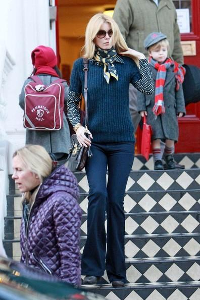 Claudia Schiffer - Claudia Schiffer Goes to Starbucks