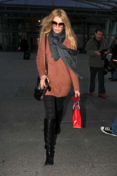 Claudia Schiffer - Claudia Schiffer at Heathrow