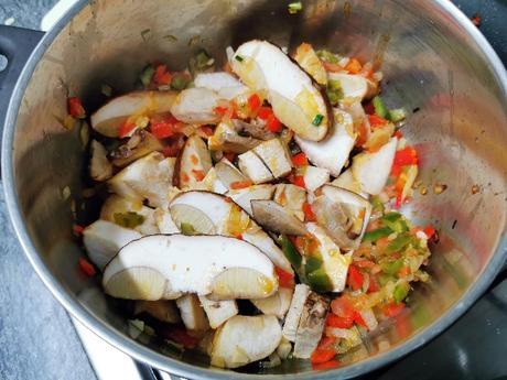 Patatas con boletus   Receta casera