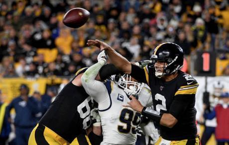 ¡Están vivos! Cuarta victoria en fila de los Steelers