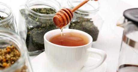 antibioticos naturales como miel infusiones ajo zumos naturales propolis verduras