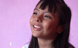 Adhara, la niña genio que tiene un coeficiente superior al de Einstein