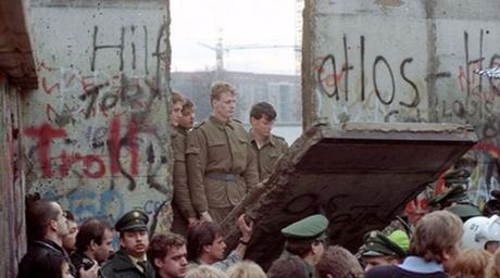 Un paseo por la Historia: A treinta años de la caída del Muro de Berlín (12.11.2019)