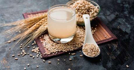 agua-de-cebada-aliemtos-para-reducir-el-colesterol-y-mantener-una-salud-sana