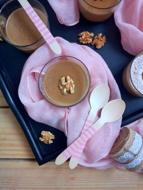 Intxaursaltsa. Intxaursalsa. Crema de nueces (en Monsieur cuisine) Crema de nueces típica del País Vasco. Versión vegana Postre Sin horno Cuca