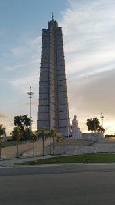 plaza de la Revolucion- tour en auto clasico