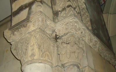 capiteles arco triunfal IGLESIA DE SANTA EULALIA Camino del Salvador