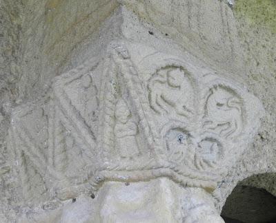 Capiteles SANTA MARÍA DEL NARANCO PRERROMÁNICO EN ASTURIAS ROMÁNICO EN EL CAMINO DEL SALVADOR