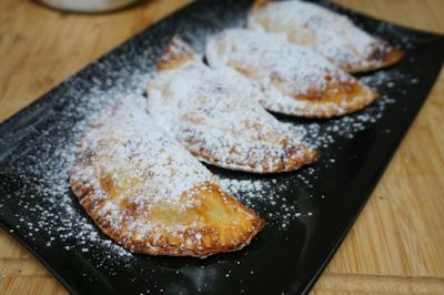 Empanadillas rellenas de manzana y nueces