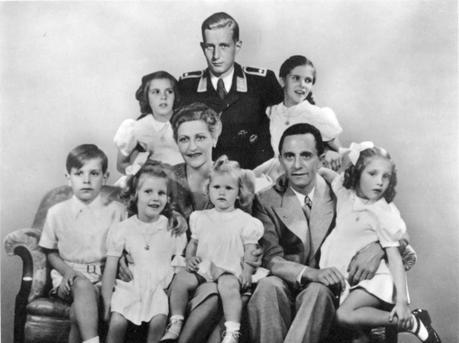 EL SUICIDIO DE LA FAMILIA GOEBBELS