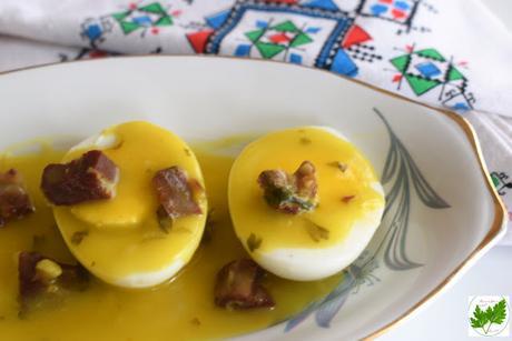 Huevos en Salsa con Jamón