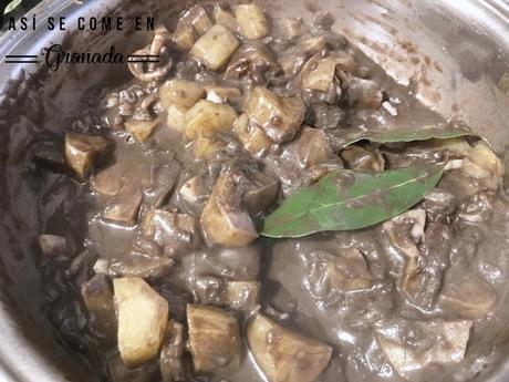 Sepia con patatas y chocolate