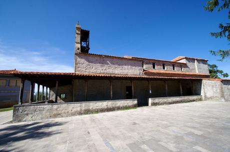 Iglesia de Santiago de Gobiendes