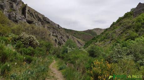 Entrada al Desfiladero de los Calderones desde Santas Martas