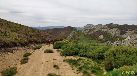 Descenso del Pico Amargones a la zona de Vichidiechas