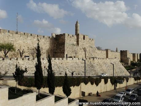 Jerusalén; la Explanada de las Mezquitas y el Muro de las Lamentaciones...dos mundos enfrentados