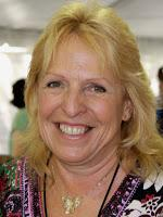 Ellen Hopkins, autora de Crank, publicará libro Middle Grade