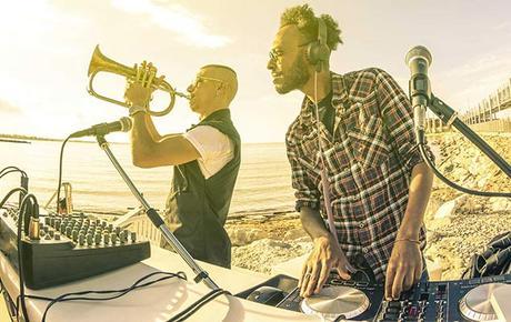 Los 8 imprescindibles para empezar en el mundo DJ