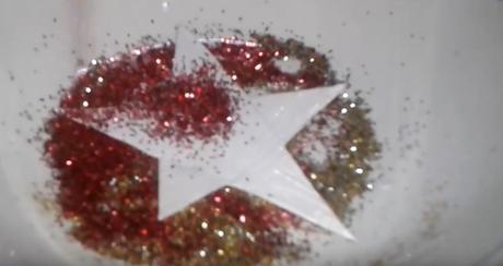 Cómo crear estrellitas de navidad con cartón y purpurina