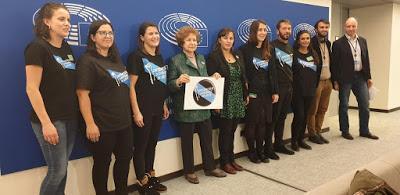 Enfermeiras eventuais en loita recibidas en Bruselas.