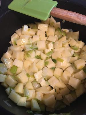 Cullen Skink: La Sopa Escocesa Con Patatas Y Pescado Ahumado