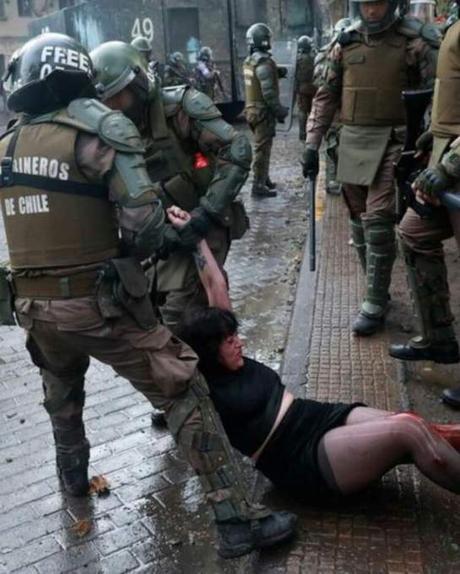 Chile al cuidado de una policía enferma.