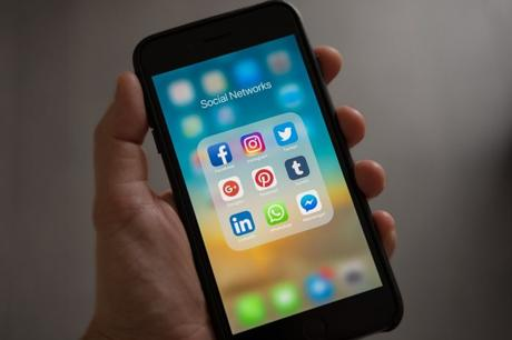 Analizar los datos de las personas en redes sociales: ¿herramienta para la salud mental o invación de la privacidad?