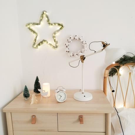 La Navidad natural de mi dormitorio con toques burdeos