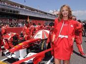 Locking diseña para Banco Santander uniformes azafatas Fórmula