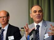 """Gary Kasparov presénta Bélgica """"Fundación Kasparov"""""""